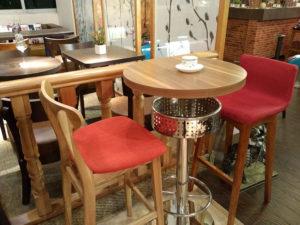столы, стулья, кресла, диваны