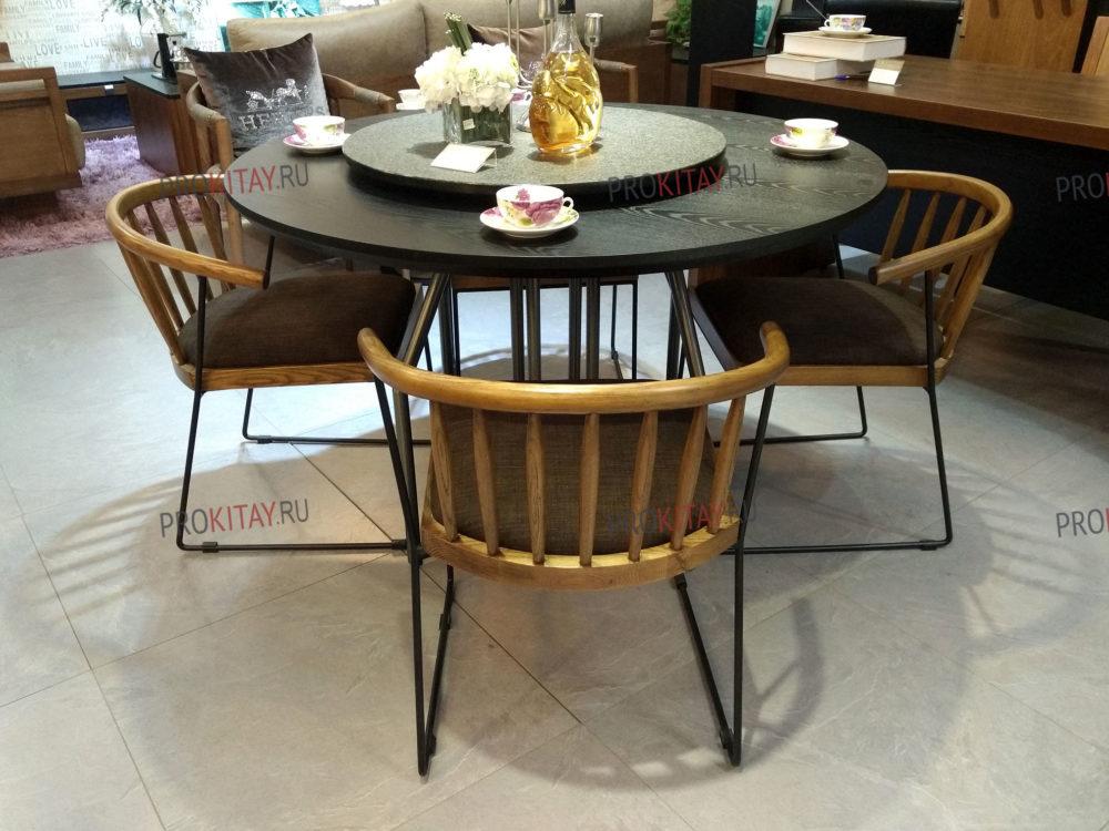Фото из шоурума современной мебели: массив ореха+мдф+шпон в коричневых тонах-0