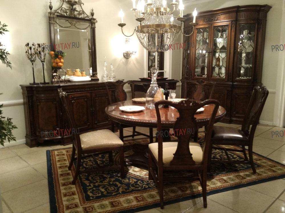 Классическая, состаренная мебель из массива ореха, мебельный тур из Иркутска